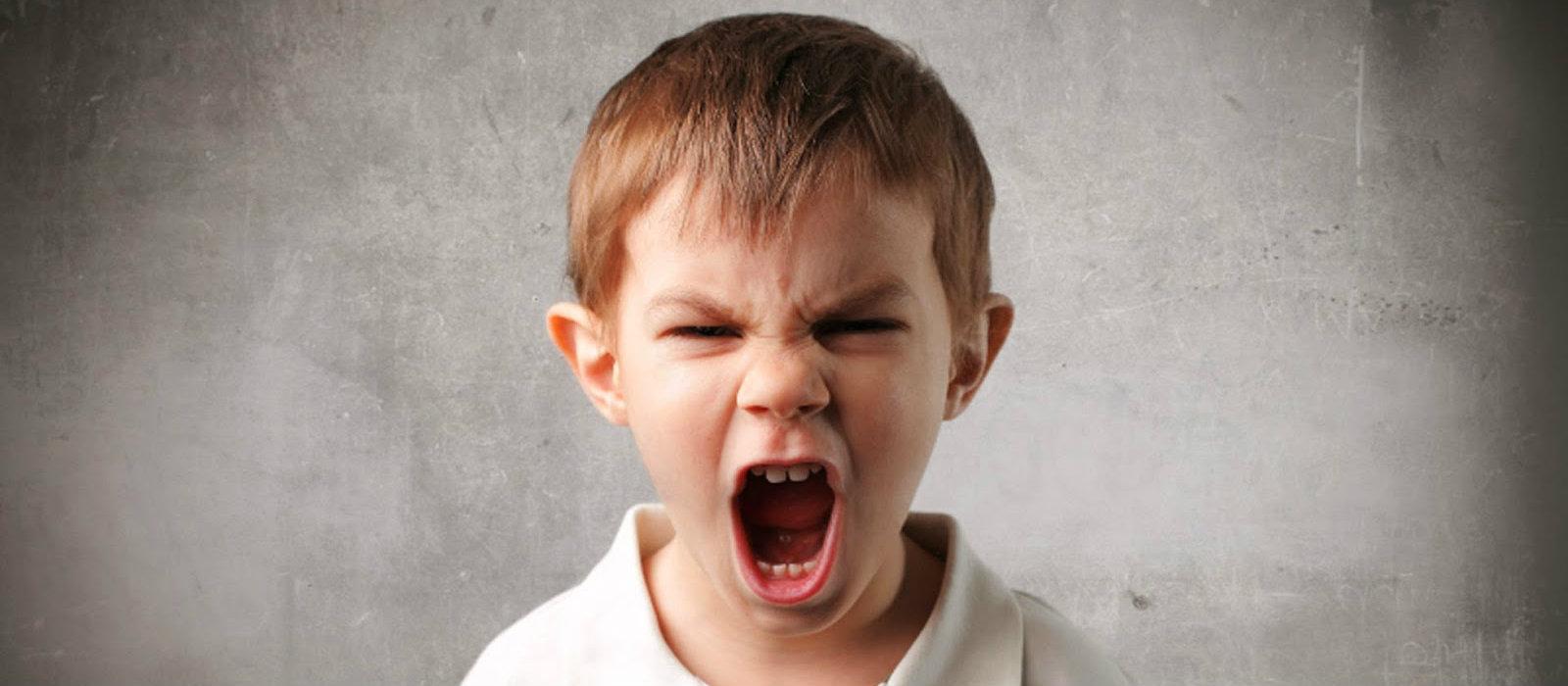 come gestire bambini aggressivi