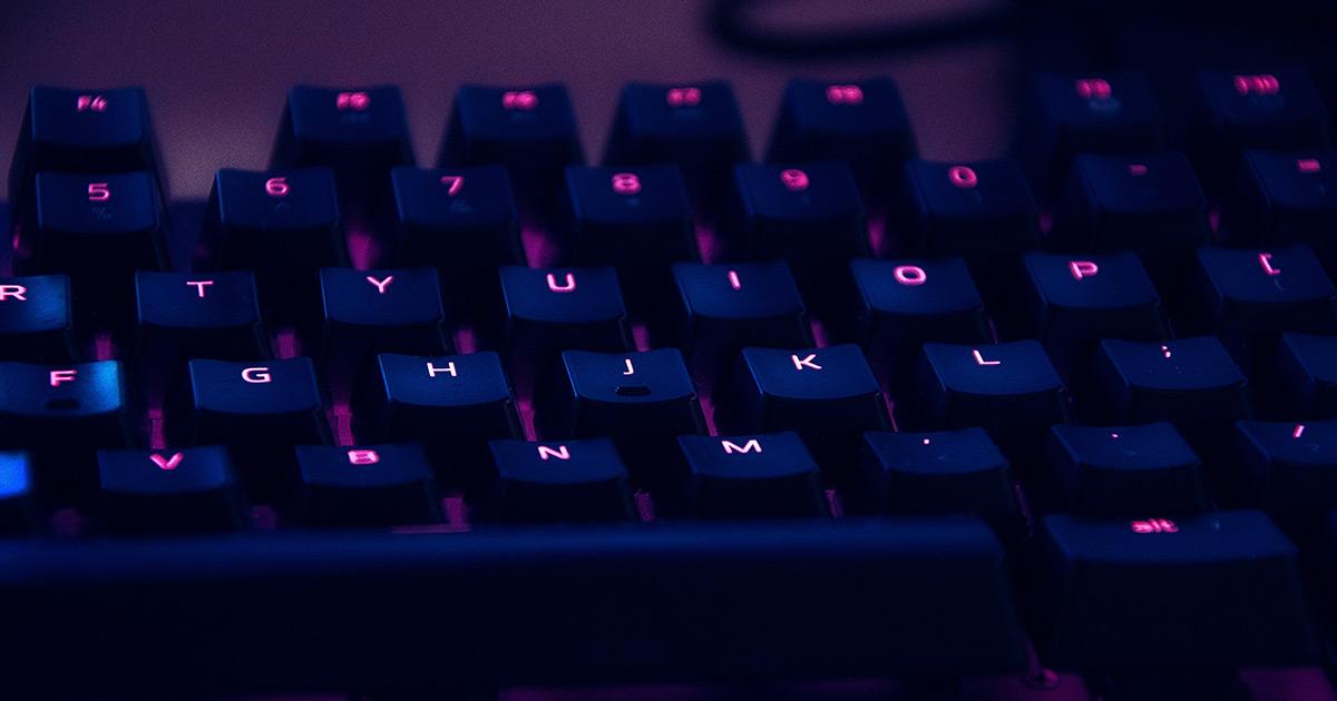 Adolescenti iperconnessi su internet: i rischi