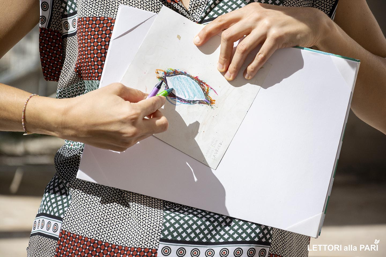 Foto di un occhio disegnato da Irene Penazzi, illustratrice