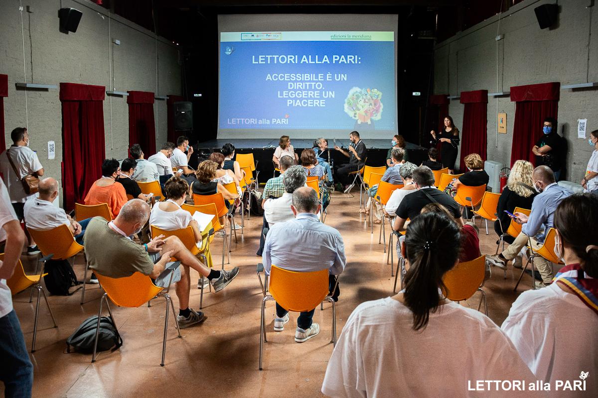 """Foto del seminario """"Lettori alla pari: accessibile è un diritto. Leggere un piacere"""""""